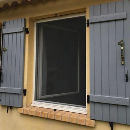 Moustiquaires portes et fenetres for Porte fenetre avec moustiquaire