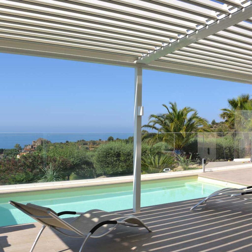 pergola bioclimatique pour terrasse et jardin. Black Bedroom Furniture Sets. Home Design Ideas
